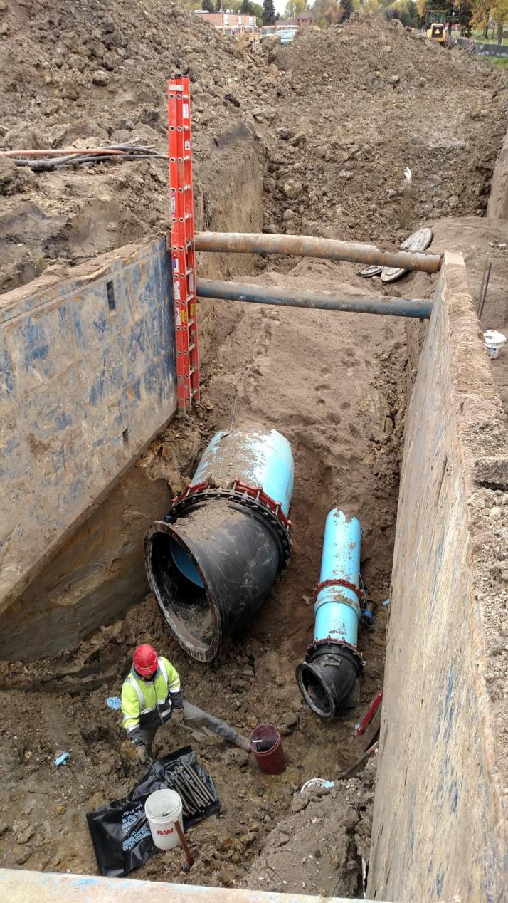Pipe Installation with Trench Protection